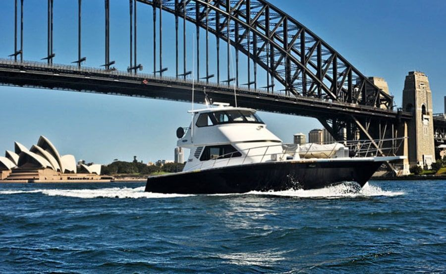 State of the Art Boat Hire iconic Harbour Bridge