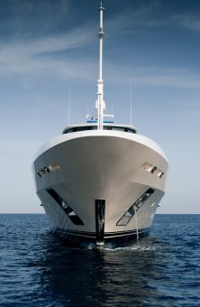 12485-superyacht-in-focus-benettiandrsquos-lady-candy